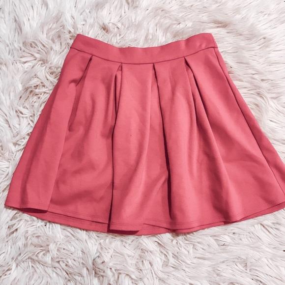 Forever 21 Dresses & Skirts - Pleated pink skirt forever21